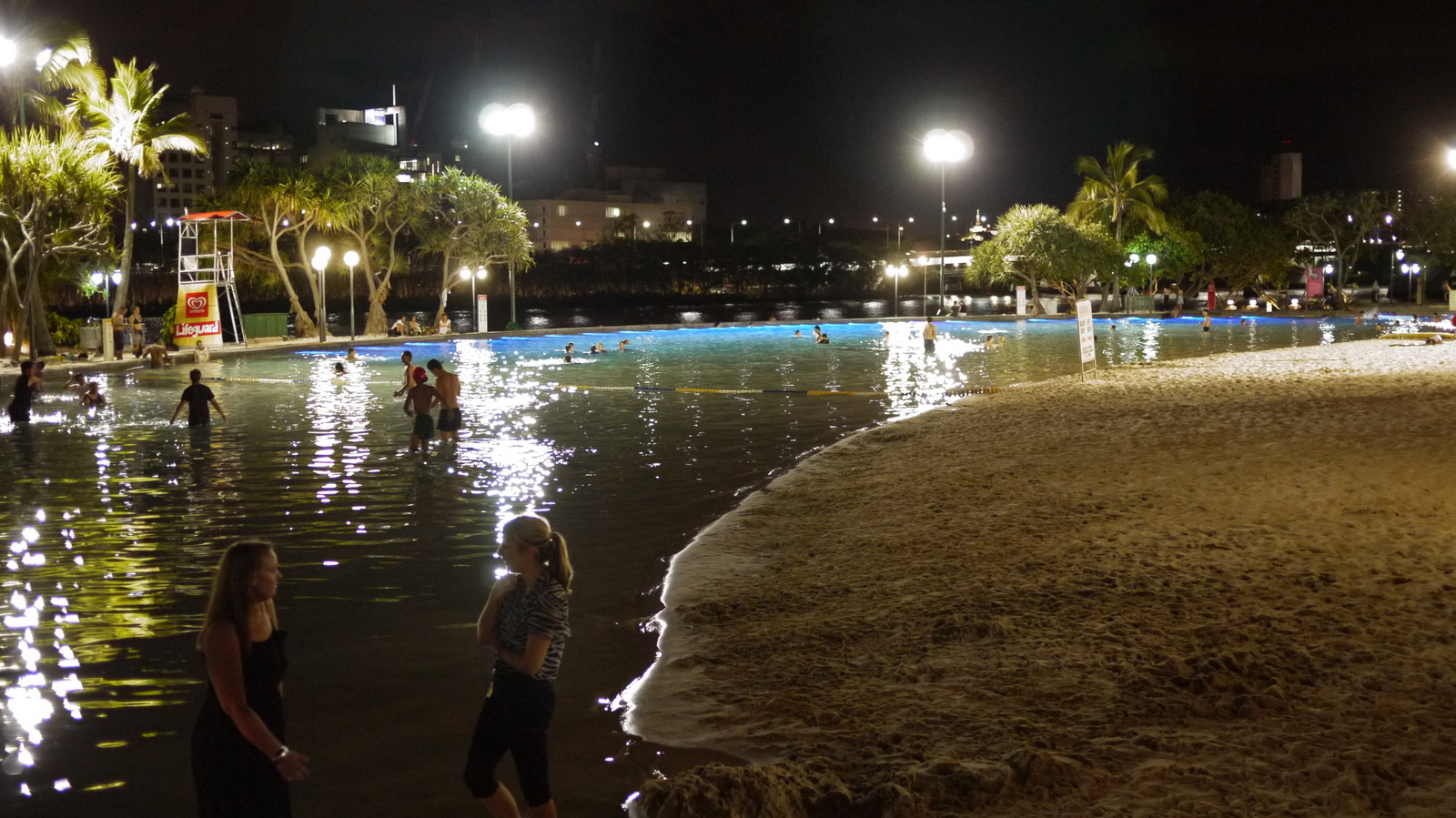 Swimming Pool Bank : Inland beach southbank live in bne