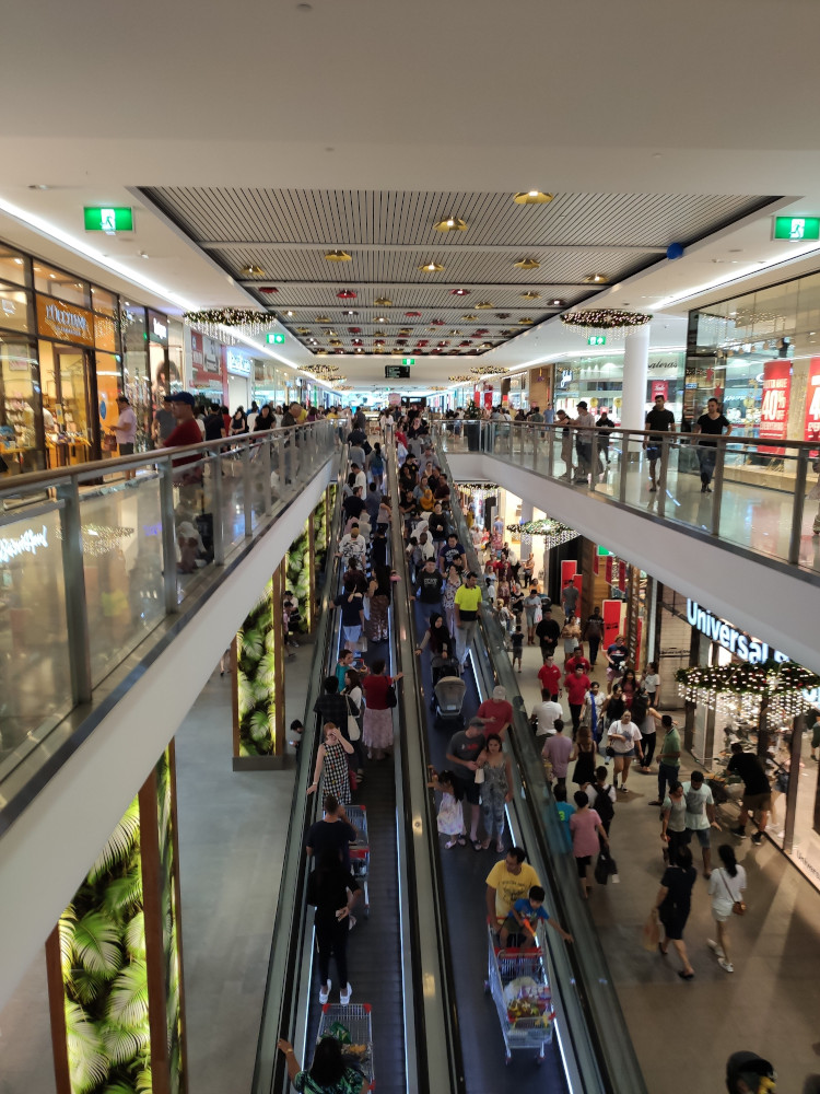 Garden City - Boxing Day Sales - A lot of people